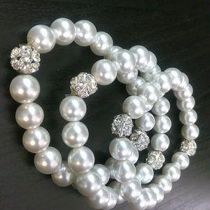 Jewelry - Beautiful Set Of Bracelets